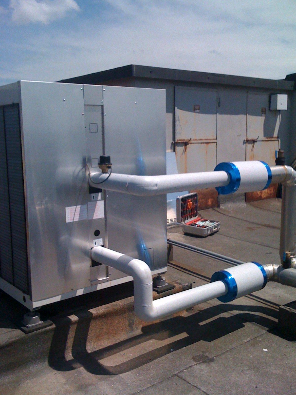 Impianto a pompa di calore aria acqua cattozzi ivo impianti for Costo pompa di calore aria acqua